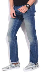 Buy Lee jeans at upto 77% off + flat 50% cashback