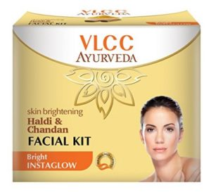 VLCC Ayurveda Skin Brightening Haldi and Chandan Facial Kit- 50g at rs.128