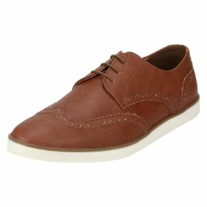 Red Tape Men's Sneakers at upto 75% off starting at Rs. 537
