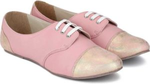 Women's footwear at upto 87% off starting at Rs 339
