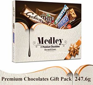 SNICKERS Medley Assorted Chocolates Diwali Gift Pack (Snickers, Bounty, M&M's, Galaxy), 247.6g Rs 149 amazon dealnloot