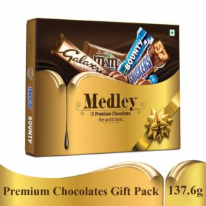 Amazon- Buy SNICKERS Medley Assorted Chocolates Gift Pack