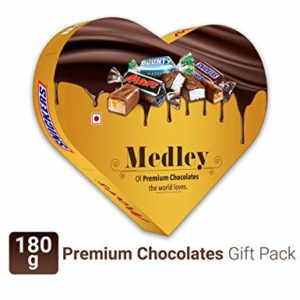 Snickers Medley Heart Shaped Assorted Chocolate Gift Rs 199 amazon dealnloot