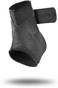 Mueller Neoprene Blend Ankle Support with Straps Rs 157 amazon dealnloot