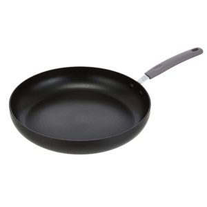AmazonBasics Hard Anodized Non Stick 32 cm Rs 753 amazon dealnloot